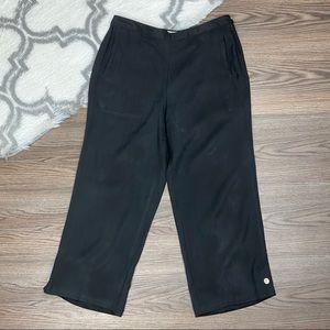 Tommy Bahama Silk Black Capris Size 10